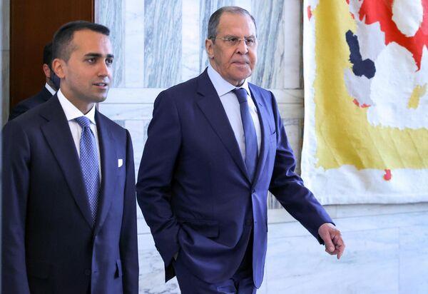 """Lavrov ha smentito le informazioni di un media italiano, secondo cui avrebbe chiesto a Luigi di Maio durante la sua visita a Roma un """"approccio costruttivo alla questione delle sanzioni"""". - Sputnik Italia"""