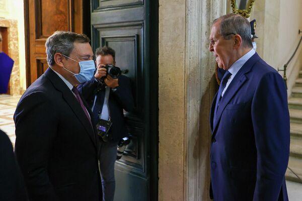 Durante l'incontro di stamattina il Presidente del Consiglio Draghi e il Ministro degli Esteri russo Lavrov hanno discusso degli ultimi sviluppi in Afghanistan. - Sputnik Italia