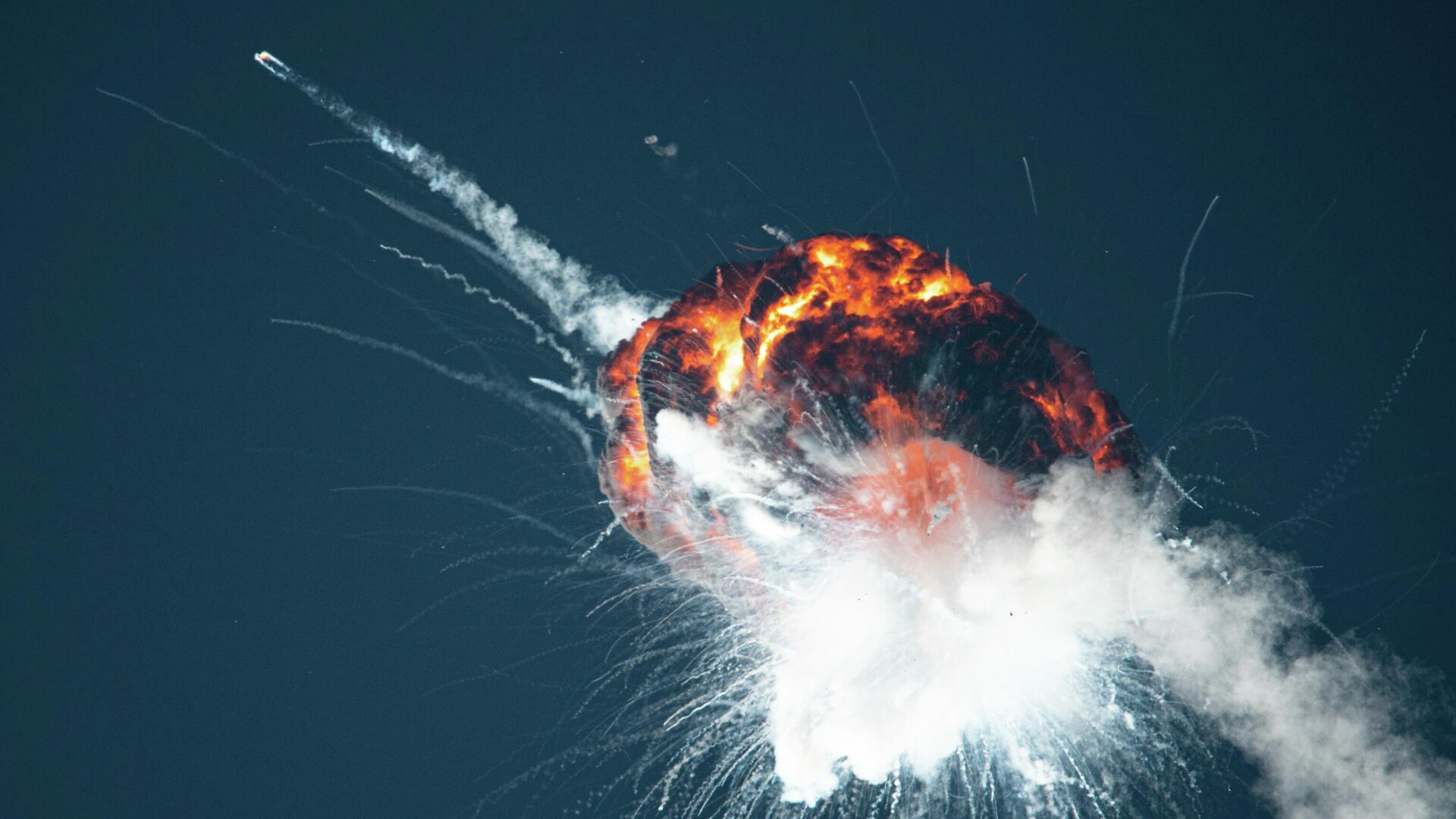 Esplosione razzo Alpha Firefly - Sputnik Italia, 1920, 03.09.2021
