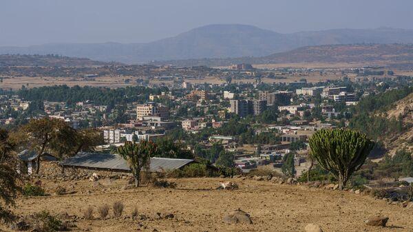 Вид с холма близ Абба Пенталевон в городе Аксум, регион Тыграй, Эфиопия - Sputnik Italia