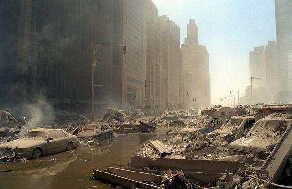 Macerie e cenere riempiono le strade di Lower Manhattan. - Sputnik Italia