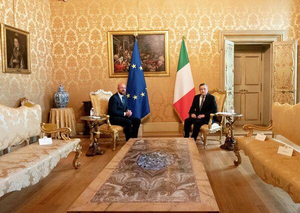 Il Presidente del Consiglio, Mario Draghi, ha incontrato ieri pomeriggio a Palazzo Chigi il Presidente del Consiglio Europeo, Charles Michel.  - Sputnik Italia