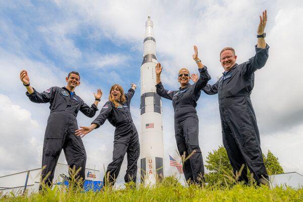 Durante il volo in orbita, l'equipaggio intende eseguire una serie di procedure mediche, comprese delle ecografie. - Sputnik Italia