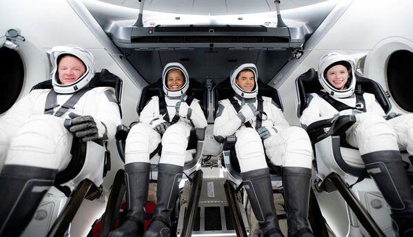 È il primo ingresso del fondatore di SpaceX Elon Musk nella competizione miliardaria del turismo spaziale. - Sputnik Italia