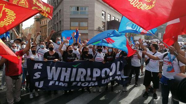 Lavoratori Whirlpool in protesta a Roma, giovedì 16 settembre 2021 - Sputnik Italia