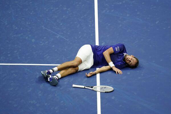 Il russo Daniil Medvedev è diventato il campione degli US Open 2021 dopo aver sconfitto a sorpresa il più quotato Novak Djokovic. - Sputnik Italia