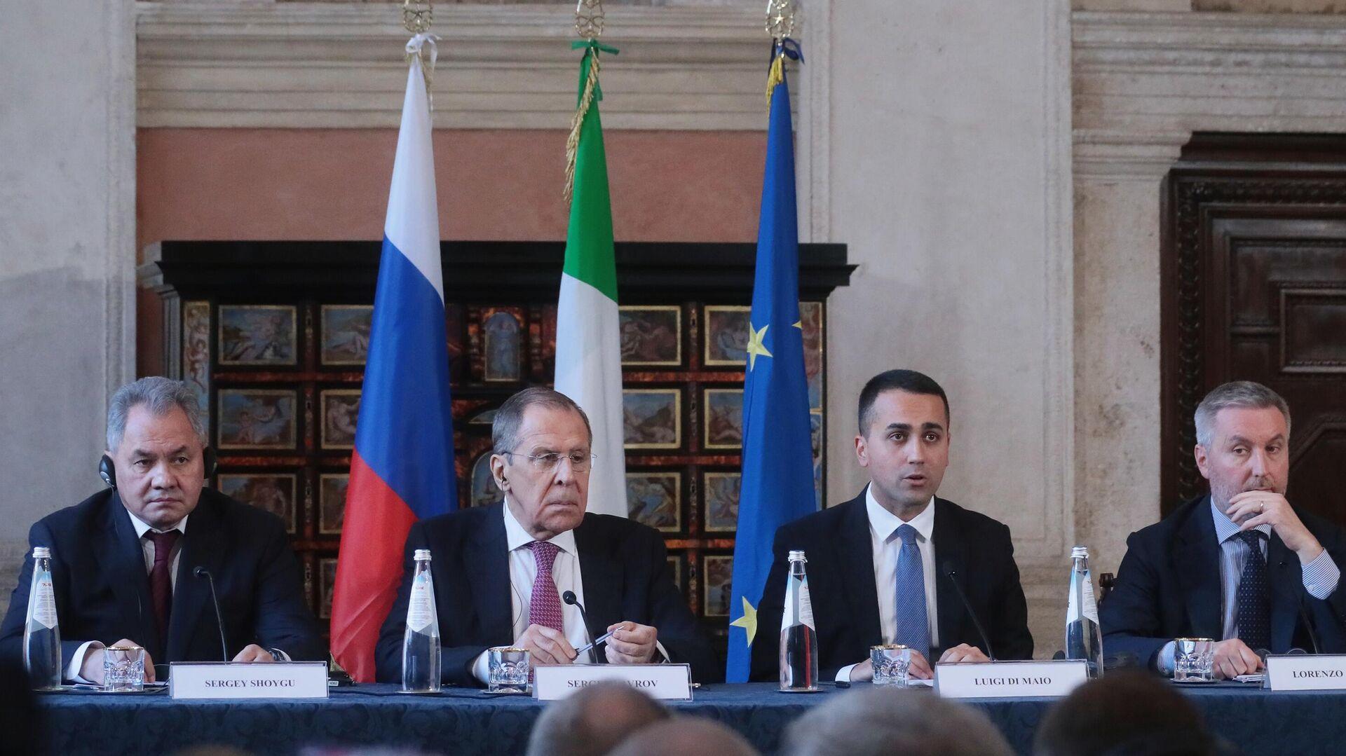 Consultazioni in formato 2+2 tra i ministri di Esteri e Difesa di Italia e Russia nel febbraio 2020 a Roma - Sputnik Italia, 1920, 17.09.2021