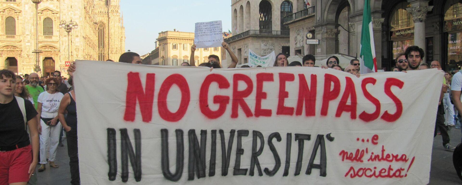 Milano manifestazione contro il Green Pass - Sputnik Italia, 1920, 29.09.2021