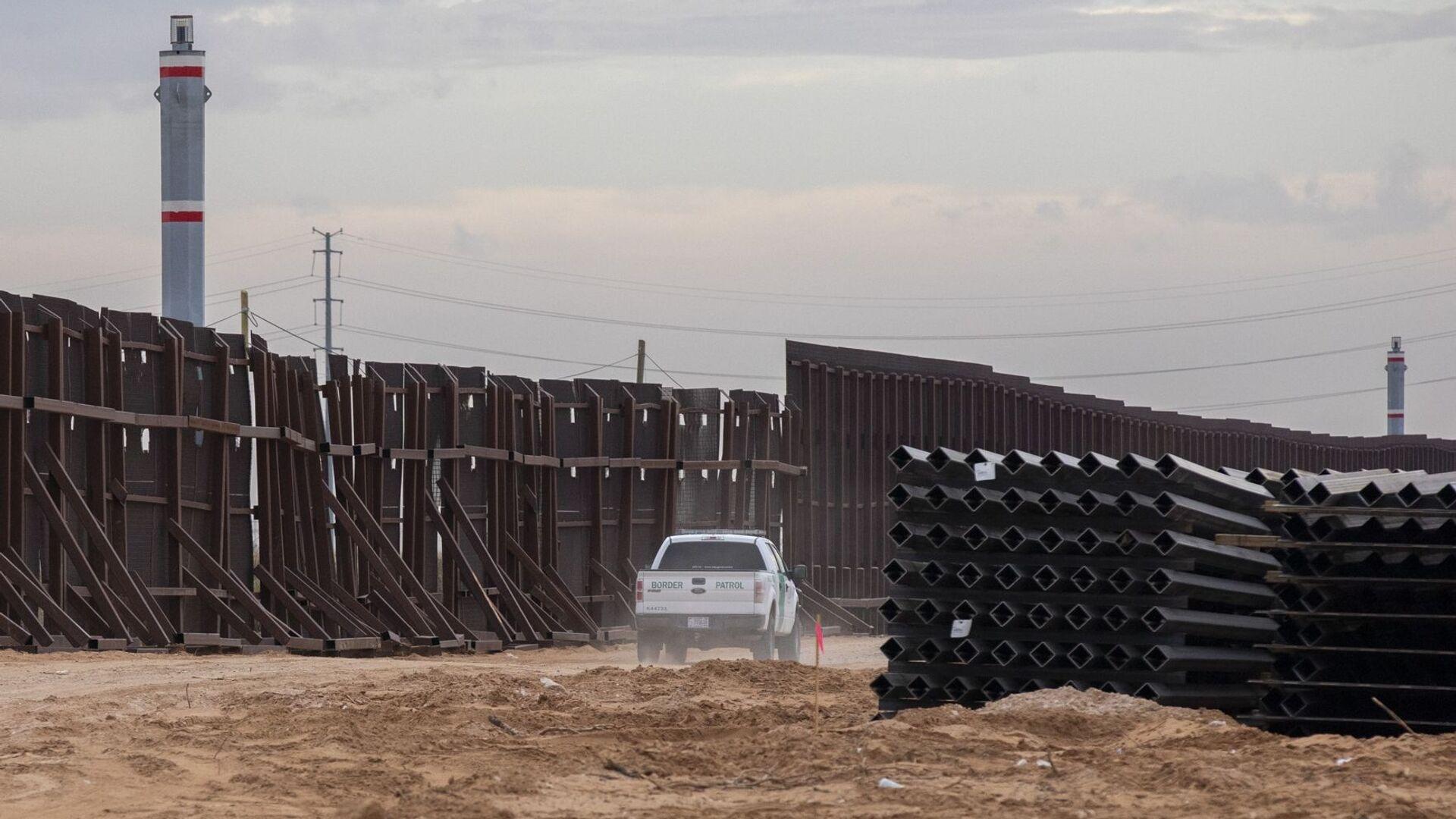 Il muro al confine tra il Messico e gli Usa - Sputnik Italia, 1920, 21.09.2021