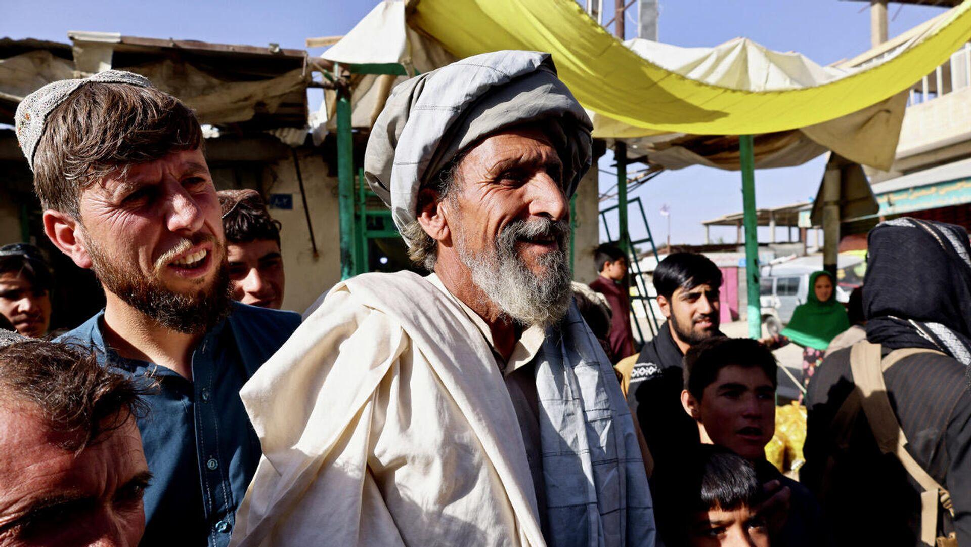 Anziano pro talebani a Maidan Shar, capoluogo della provincia di Wardak - Sputnik Italia, 1920, 28.09.2021