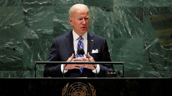 Президент США Джо Байден выступает на 76-й сессии Генеральной Ассамблеи ООН в Нью-Йорке - Sputnik Italia