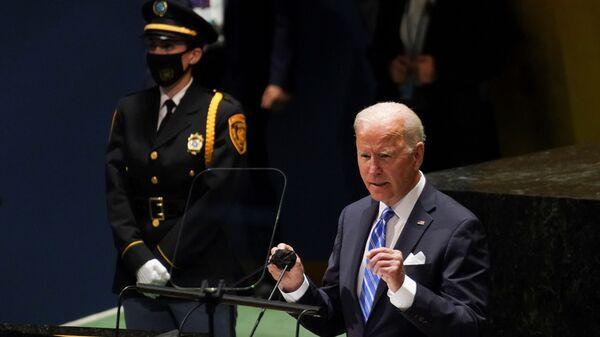Президент США Джо Байден выступает на сессии Генеральной Ассамблеи ООН в Нью-Йорке - Sputnik Italia