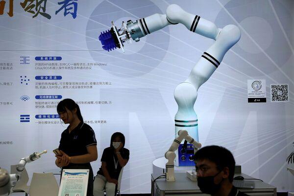 La World Robot Conference 2021 è stata inaugurata venerdì, 10 settembre, a Pechino. Le più recenti innovazioni della tecnologia robotica sono state presentate ad un vasto numero di visitatori e imprese del settore. - Sputnik Italia