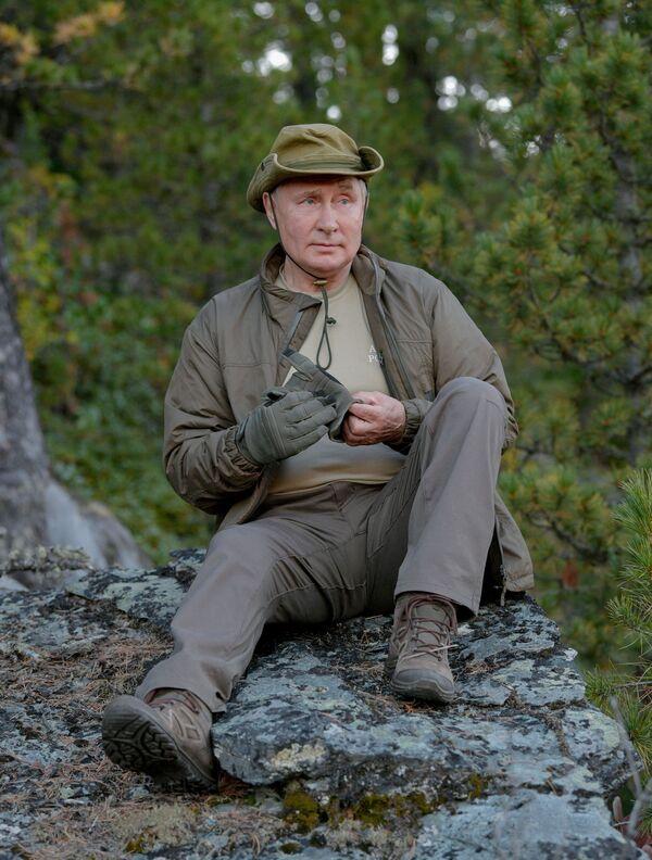 Le vacanze di Putin in taiga - settembre 2021. - Sputnik Italia