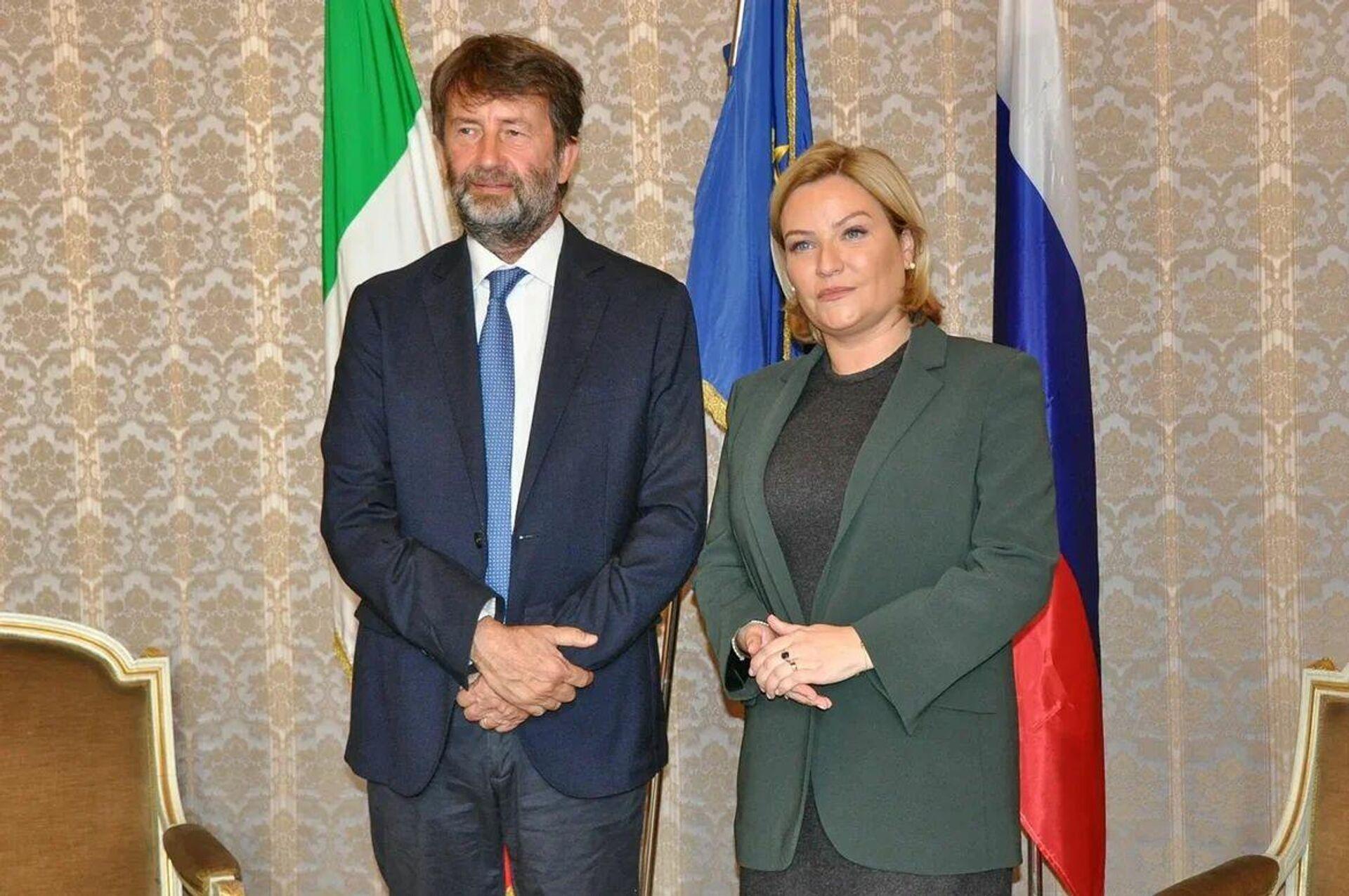 I ministri della cultura italiano e russo: Dario Franceschini ed Olya Lyubimova - Sputnik Italia, 1920, 30.09.2021