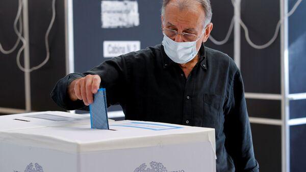 Голосование на местных выборах в Италии  - Sputnik Italia