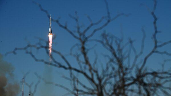 Запуск ракеты-носителя с космическим кораблем Союз МС-19 со стартового комплекса Восток No31 космодрома Байконур - Sputnik Italia