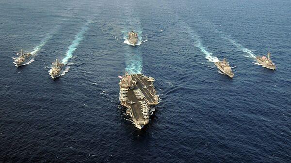 Американская ударная авианосная группа во главе с USS Enterprise (CVN 65) в Атлантическом океане - Sputnik Italia
