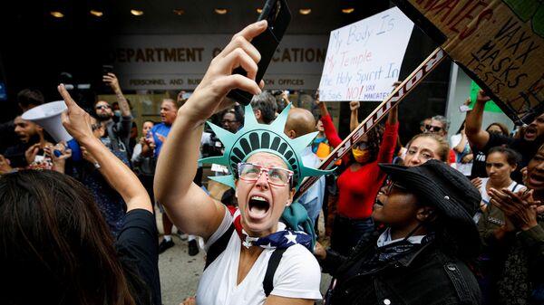 Демонстрация против вакцинации в Нью-Йорке - Sputnik Italia