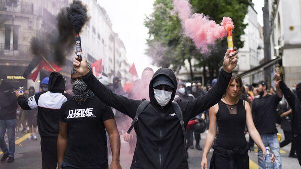Протесты во Франции против санитарных пропусков - Sputnik Italia