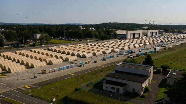 Лагерь для эвакуированных из Афганистана на американской авиабазе Рамштайн в Германии  - Sputnik Italia