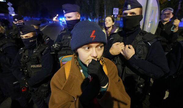 Lui, ex premier polacco, esiliato alla presidenza del partito popolare europeo da quando nel 2015 il Pis si è preso il governo, aveva detto che sarebbe tornato alla politica polacca per portare via il potere ai suoi avversari. - Sputnik Italia