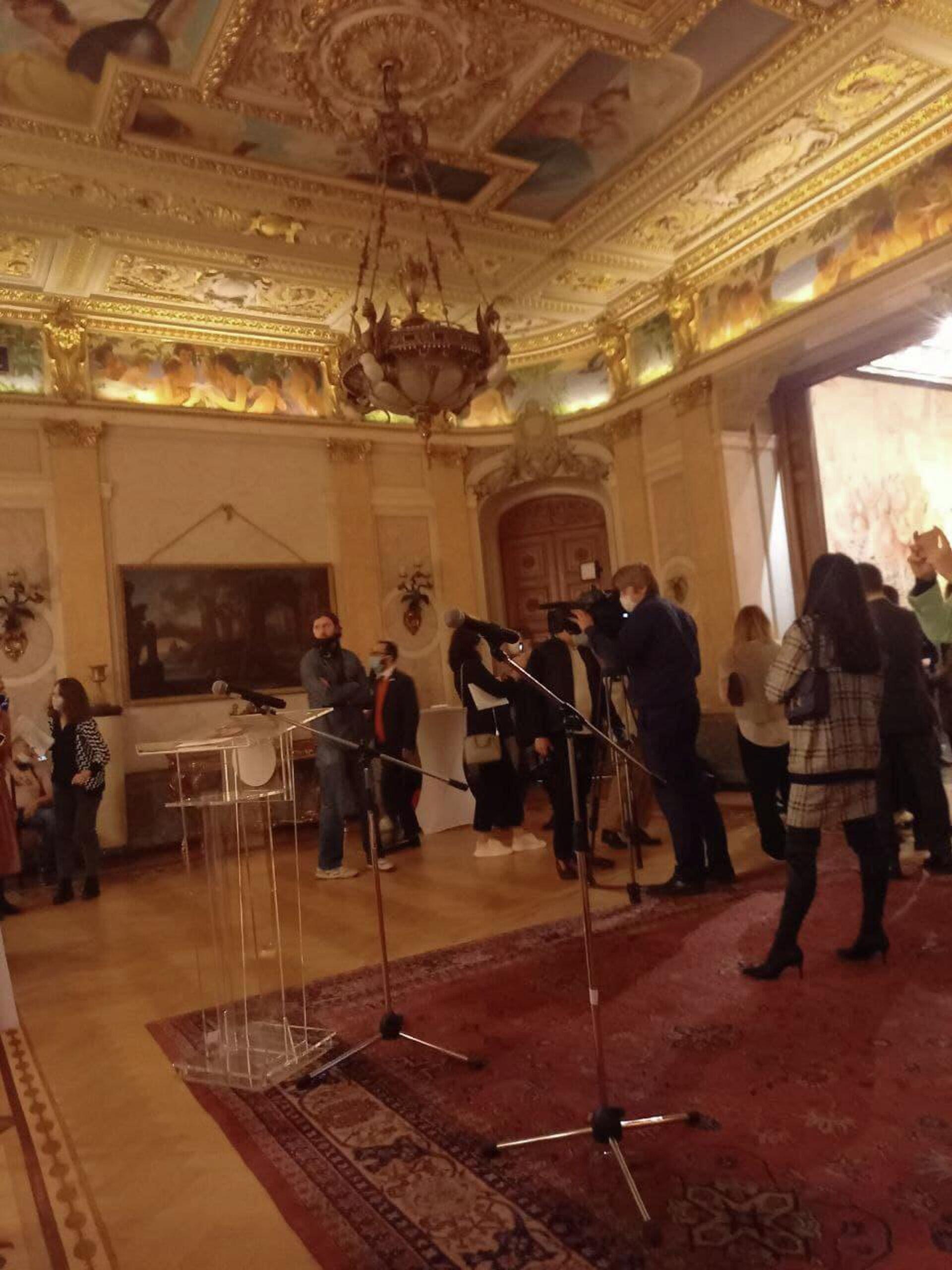 La mostra 'Arte libera. Futurismo italiano dalla collezione di Gianni Mattioli' - Sputnik Italia, 1920, 13.10.2021