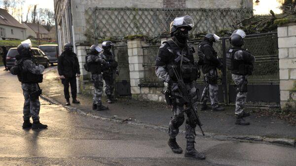 Dopo la sparatoria in redazione di Charlie Hebdo le forze speciali  francesi sono sempre all`erta - Sputnik Italia