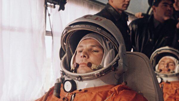 Yuri Gagarin e German Titov - Sputnik Italia