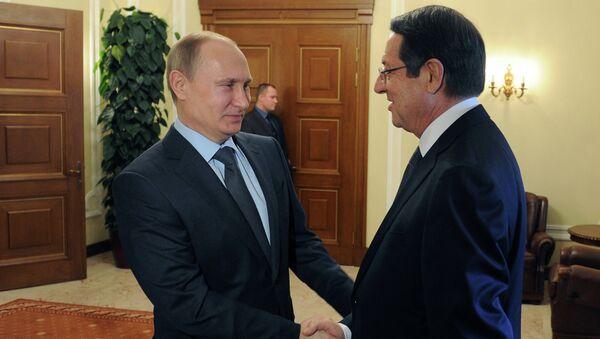 Il presidente della Federazione Russa Vladimir Putin e il presidente di Cipro Nicos Anastasiades - Sputnik Italia