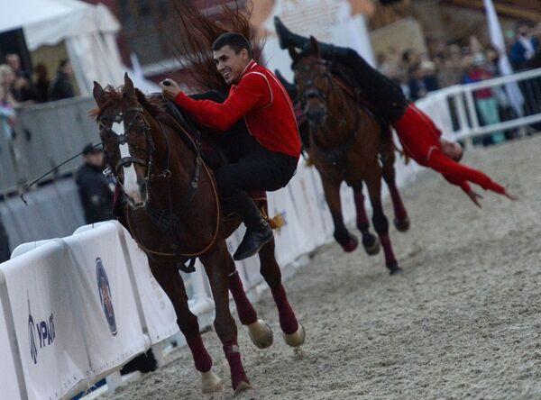 Il Festival internazionale di musica militare Torre Spasskaja. La giornata del cavallo. - Sputnik Italia