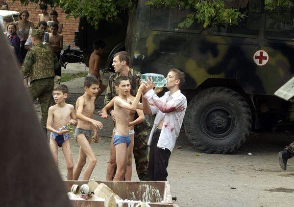 Ostaggi sopravvissuti all'attentato di Beslan - Sputnik Italia