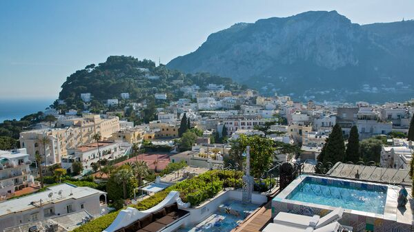 La vista dall'albergo Capri Tiberio Palace a Capri, Italia. - Sputnik Italia