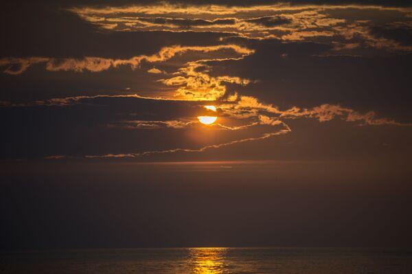 Tramonto sul lago Bajkal. - Sputnik Italia