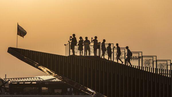 Visitatori sulla terrazza del Padiglione Russia a Expo Milano - Sputnik Italia