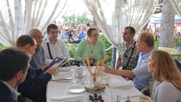L'incontro tra Putin e i rappresentanti dell'Associazione degli italiani di Crimea - Sputnik Italia