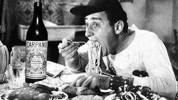 Alberto Sordi nel film Un americano a Roma - Sputnik Italia