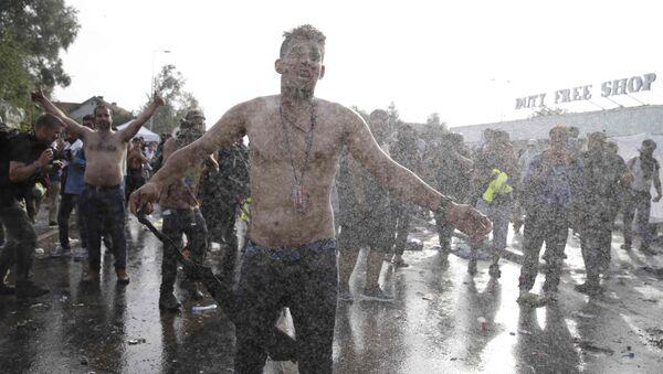 Scontri tra la polizia e migranti - Sputnik Italia