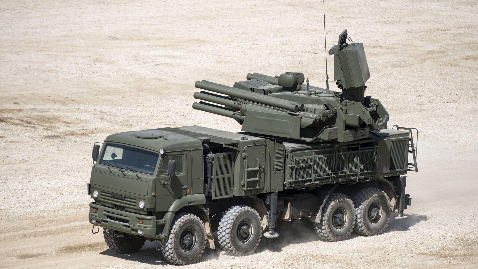 Il missile antiaereo semovente Pantsir-S nel quadro delle preparazioni al forum tecnico-militare internazionale Armija-2015. - Sputnik Italia, 1920, 27.09.2021
