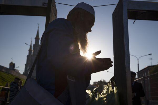 In visita alla moschea più grande d'Europa - Sputnik Italia