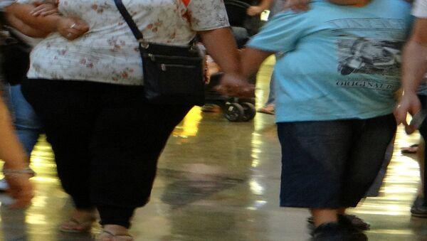 Mamma e figlio obesi - Sputnik Italia