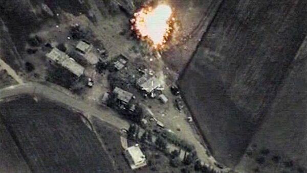 Raid russi sui target in Siria - Sputnik Italia
