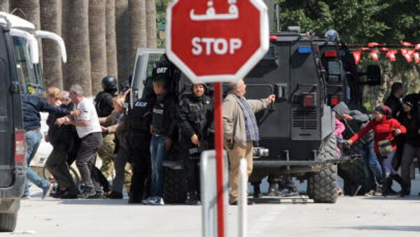 Evacuazione dei turisti dal museo del Bardo di Tunisi - Sputnik Italia