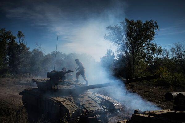 Il ritiro delle armi in Repubblica popolare di Lugansk. - Sputnik Italia