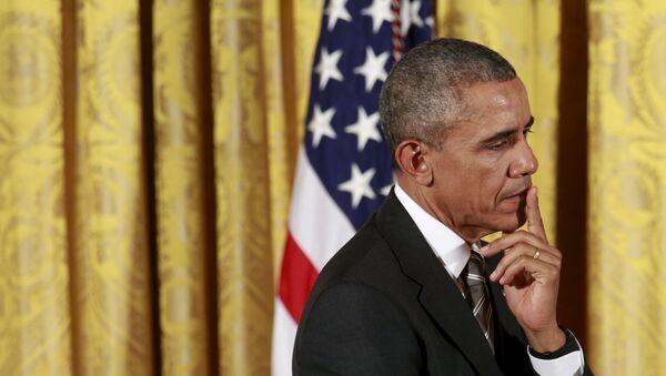 Barack Obama perplesso - Sputnik Italia