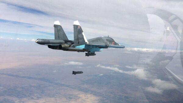Caccia russi SU-34 in volo - Sputnik Italia