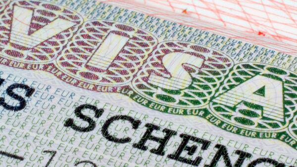 Шенгенская виза в паспорте - Sputnik Italia