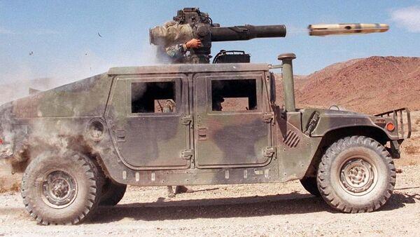 Lancio di un missile TOW da un HMMWV dell'US Army - Sputnik Italia