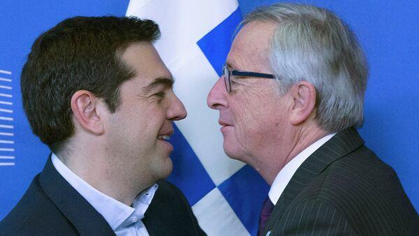 Il Presidente della Comissione Europea Jean-Claude Juncker contro il  primo ministro greco Alexis Tsipras - Sputnik Italia