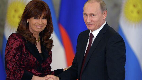 Cristina Kirchner e Vladimir Putin - Sputnik Italia